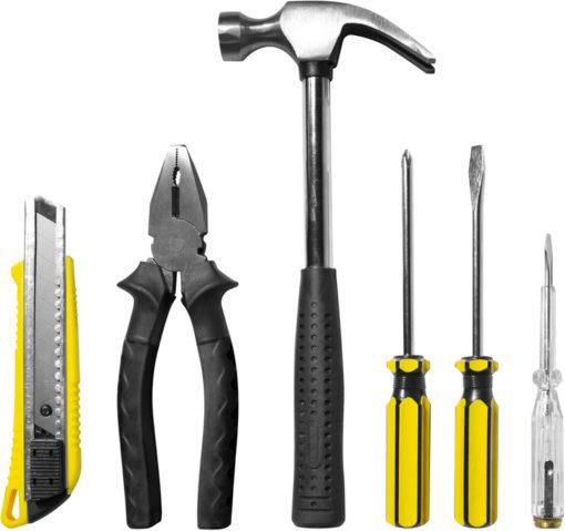 HERRAMIENTAS EN ESTUCHE Las herramientas en estuche sin duda son ideales para tener uno en tu auto para estar prevenido y tener guardar para cuando lo necesites